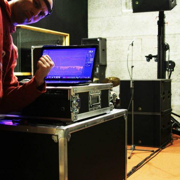 Formation à la prédiction et aux mesures des systèmes de diffusion sonore